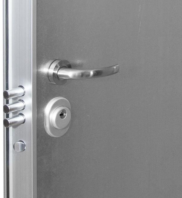 Puertas de seguridad para trasteros erkoch security for Puertas seguridad