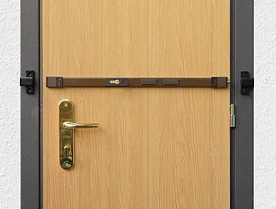 Pack TS2. Refuerzo puerta trastero con tranka transversal