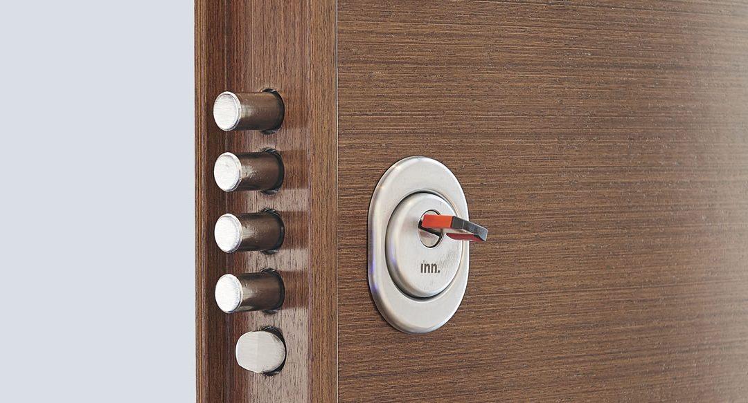 Elementos que componen el sistema de cierre de una puerta